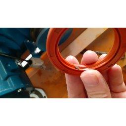 Thay phớt roang hộp số bị lỗi chảy dầu của Palang cầu trục